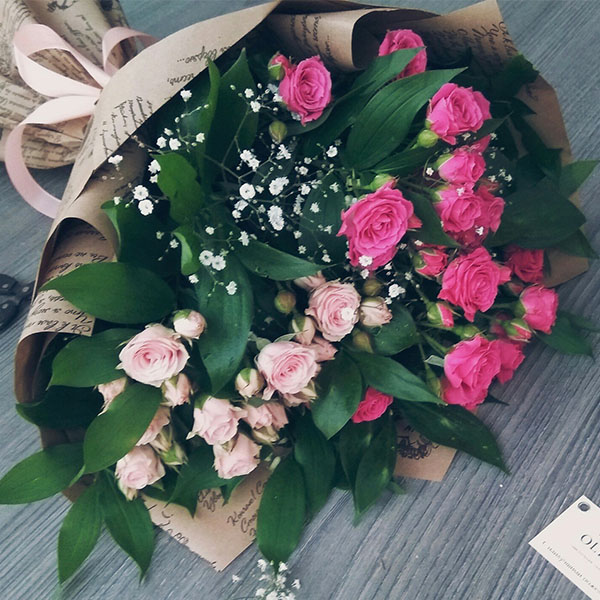 Букет из веточной розы разных цветов - Феодосия, Коктебель, Цветы