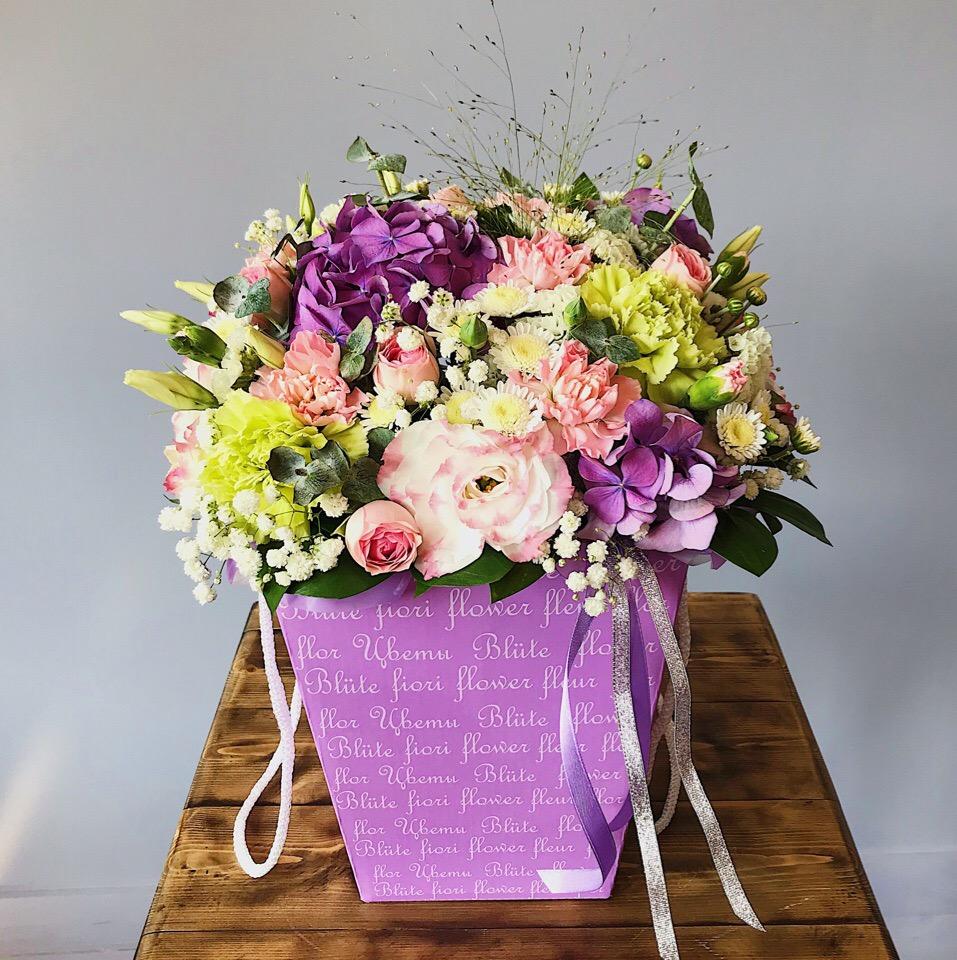 Нежный цветочный подарок с гортензией