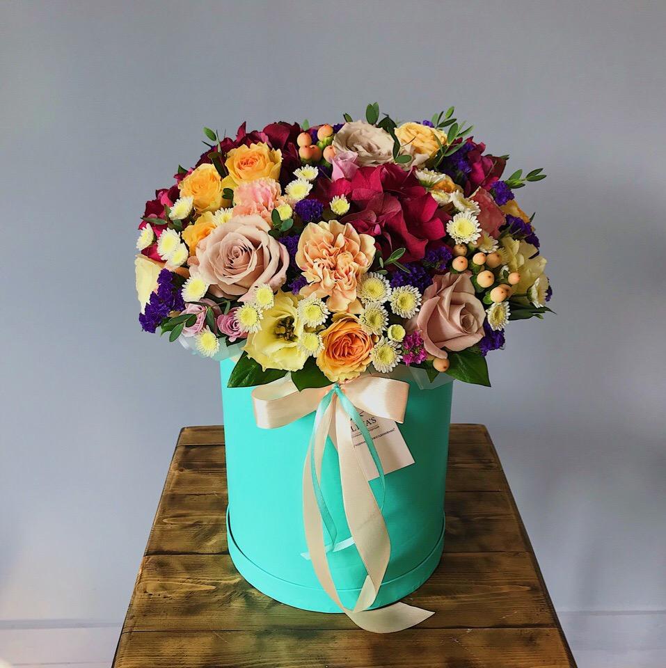 Красочная шляпная коробочка - микс разных цветов