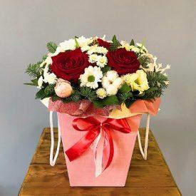зимняя коробочка с цветами