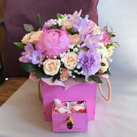 стильный ящичек с цветами