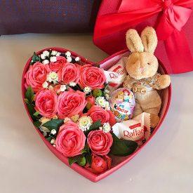 коробочка сердце и конфетки