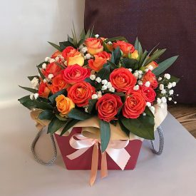 милая коробочка с розами