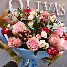 Вау-букет из разнообразных роз