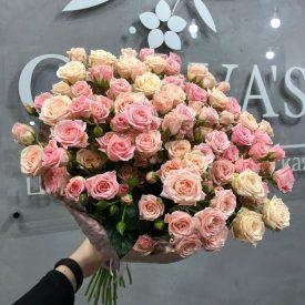букет веточных роз