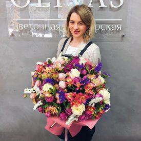 букет для жены доставка цветов феодосия