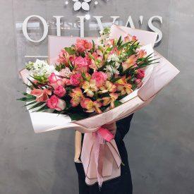 букет из роз и альстромерий - цветы феодосия