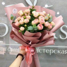 Букет кустовых роз феодосия